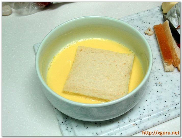식빵에 우유/계란 먹이기
